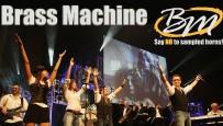BRASS MACHINE waren schon immer bekannt für ihre Vielseitigkeit: ein exzellentes Bläserensemble vereint sich mit einer druckvoll agierenden Rhythmussektion und großartigen Stimmen zu einer mitreißenden musikalischen Mischung. Wie eine gut geölte Maschine!