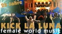 Wie passend, dass diese fünf Frauen zur 50. Auflage des Johannisfest nach Mainz kommen. Denn die erfahrenen Musikerinnen feierten mit ihrer Weltmusik-Band KICK LA LUNA selbst vor kurzem ein großes Jubiläum: bereits seit 25 Jahren begeistern sie mit ihren Ethno-Funk-, Bossa-Soul und Latin-Klängen die Zuhörer in Deutschland und auf der ganzen Welt.